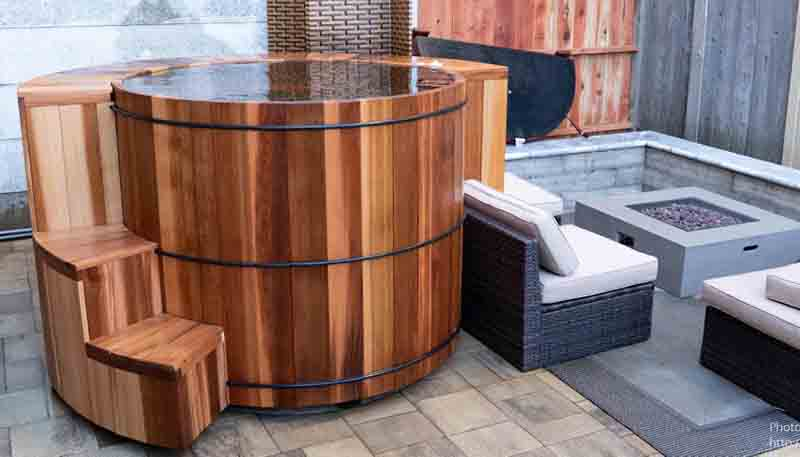 Wooden Hot Tubs Cedar Hot Tubs Wood Soaking Tubs At Rhtubs